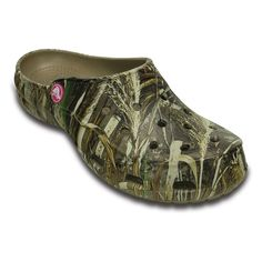 Crocs Freesail Realtree Max-5 Women's Camouflage Clogs, Size: