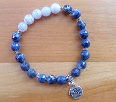fr_bracelet_yoga_en_sodalite_calcedoine_et_medaille_plaquee_argent_