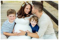Beautiful maternity session with older children {JessHekman Photography}