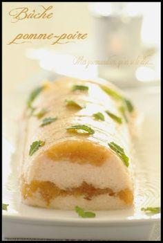 Bûche légère et fraîche aux fruits. Bon Dessert, Jaba, Hot Dog Buns, Macarons, Cupcake Cakes, Cupcakes, Holiday Recipes, Sushi, Biscuits
