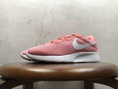1c2cedb82 2018 UK Trainers Women Rosherun Nike Tanjun Pink White blanc 812655-600  Youth Big Boys Shoes