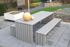 Auch im Garten unseres Handelspartners sind binnen-Markt Gartenmöbel echte Hingucker für die zahlreichen Besucher.