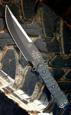 Tops Knives Zero Dark 30 Fixed Blade Knife Tops Knives Zero Dark 30 Fixed Blade Knife can . Cool Knives, Knives And Tools, Knives And Swords, Survival Knife, Survival Gear, Bushcraft, Katana, Trench Knife, Armas Ninja