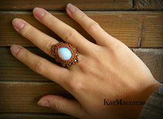 Opalite/Macrame ring handmademicromacrameSynthetic por KarMacrame