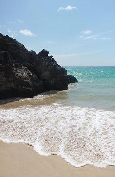 ✮ Hapuna Beach, Hawaii One of my favorite beaches on Kona, I love to swim there at sunset! What a beautiful experiance! Hawaii Honeymoon, Hawaii Vacation, Hawaii Travel, Dream Vacations, Vacation Spots, Green Sand Beach, Hawaii Destinations, Kona Hawaii, Visit Hawaii