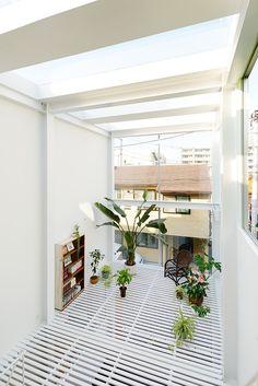 Genius Japanese House Architecture in Kawasaki by Taichi Mitsuya associates
