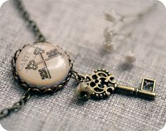 Antique keys - vintage necklace - Free shipping etsy, Valentines day - rusteam, oht