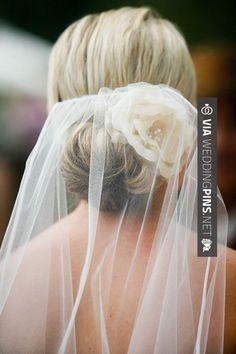 brautfrisur mit schleier 5 besten - Page 5 of 5 - (Wedding Hair With Flowers) Wedding Hair Flowers, Wedding Hair And Makeup, Wedding Veils, Wedding Hair Accessories, Flowers In Hair, Bridal Veils, Wedding Bride, Hair Wedding, Wedding Dresses