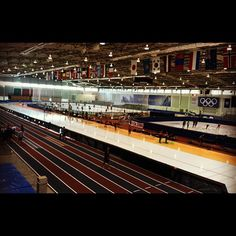Now this is what the Utah Olympic Oval should look like! So great to have so many athletes here training. #Speedskating #WErUSS