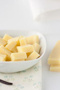 Come preparare in casa in pochi minuti delle buonissime, morbide caramelle al latte (ma anche al the o al caffè o alle mandorle!)