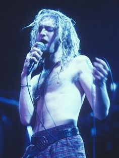 Layne Staley - Alice in Chains Scott Weiland, Layne Staley, Alice In Chains, Chester Bennington, Music Love, Rock Music, Kurt Cobain, Jerry Cantrell, Mad Season