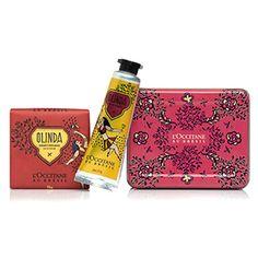 Essa composição contém:1 Creme de Mãos Olinda1 Sabonete Perfumado Olinda1 Lata L'Occitane au Brésil