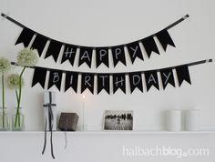 halbachblog I Halbach-Tafelstoff I Wimpelkette auf Band nähen I Happy Birthday I Schwarz-Weiß