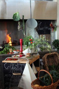 """Areias do Seixo: """"um hotel que abraça a Natureza"""" Five Star Hotel, Restaurant Bar, The Incredibles, Table Decorations, Dining, Gabriel, Chalkboard, Conversation, Home Decor"""
