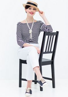 Top in stijl van Coco Chanel (PDF patroon) Sew Your Own Clothes, Sewing Clothes, Coco Chanel Fashion, Coco Chanel Style, Bolero Top, Nautical Shirt, Couture, Cut And Style, Pulls