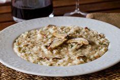 Con funghi freschi o secchi, il risotto ai funghi porcini è un primo piatto veloce, tipico della cucina italiana. Prova la ricetta del Cucchiaio d'Argento!