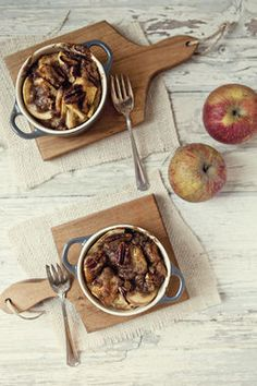 Apple Pie French Toast Bake - Breakfast for lunch, people! Yum.