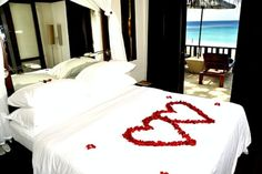 If you can't wait for the most romantic valentine day to come,so you have already started to look on the internet for some special and romantic Valentine's Day decoration that can show your unique creativity. In this session Godfather style is going to share some Romantic Valentine's Day Bedroom ideas for you that Will makeRead more