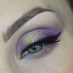 Indulge your cosmetic addiction with Makeup Geek. We offer professional quality, cruelty-free makeup, and expert advice. Skin Makeup, Beauty Makeup, Colorful Eyeshadow, Eyeshadow Ideas, Makeup Geek Cosmetics, Cruelty Free Makeup, Body Mods, Eye Make Up, Beauty Hacks