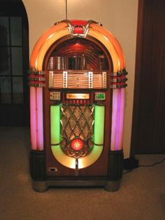 14 Best Jukeboxes images in 2016 | Jukebox, Music machine