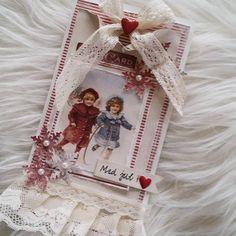 """159 likerklikk, 18 kommentarer – Mette Rønning Buskum (@mettebuskum) på Instagram: """"Julekortsesongen startet tidlig i år, for dette kortet fikk være med i julebladet Julehilsen fra…"""""""
