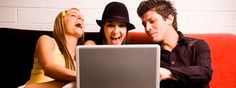 Interview met Sindy Sumter over haar onderzoek naar online en offline pesten onder kinderen en tieners. Beide vormen van pesten hebben dezelfde negatieve gevolgen voor het geestelijk welzijn van kinderen. Kinderen die online gepest worden zijn vrijwel altijd ook offline de klos. Een wetenschappelijk artikel over haar onderzoek: http://www.ccam-ascor.nl/images/stories/publications/Journal_PDF_ENG/2012/2012%20Sumter%20et%20al%20Developmental%20Trajectories%20of%20Peer%20Victimization%20.pdf