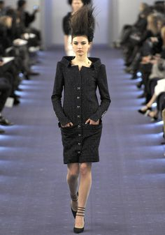Chanel HC SS 2012 #ChanelCouture #ChanelJumboJet #SpringSummer2012 Visit espritdegabrielle.com | L'héritage de Coco Chanel #espritdegabrielle