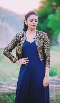 Latest Kurti With Jackets Design - The handmade craft Indian Gowns Dresses, Indian Fashion Dresses, Indian Designer Outfits, Pakistani Dresses, Indian Outfits, Stylish Dress Designs, Designs For Dresses, Stylish Dresses, Casual Dresses