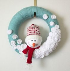 Aqua Snowman Wreath Yarn Wreath Large 14 inch by TheBakersDaughter۞ Welcoming Wreaths ۞ DIY home decor wreath ideas - kids snowman holiday wreathwreath idea, could go with stars or little trees, buttons, pompoms, etc.snowman yarn wreath that is just too Christmas Countdown, Winter Christmas, All Things Christmas, Christmas Wreaths, Christmas Decorations, Christmas Ornaments, Blue Christmas, Christmas Snowman, Winter Wreaths