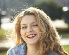 OLIVIA NITA FOTO Long Hair Styles, Film, Beauty, Movie, Film Stock, Long Hairstyle, Cinema, Long Haircuts, Long Hair Cuts