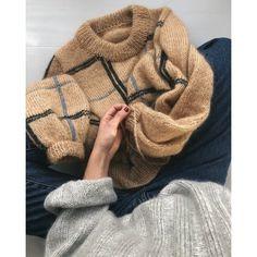Scotty Sweater Ravelry: Scotty Sweater pattern by PetiteKnit - Ideen finanzieren Mosaic Knitting, Loom Knitting, Free Knitting, Winter Sweaters, Loose Knit Sweaters, Mode Inspiration, Knit Patterns, Sweater Knitting Patterns, Stitch Patterns