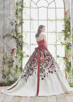 松尾のウェディングドレス、メンズフォーマルウェアのサイト in 2019 15 Dresses, Ball Dresses, Pretty Dresses, Ball Gowns, Fashion Dresses, Formal Dresses, Mode Baroque, Fairytale Dress, Colored Wedding Dresses