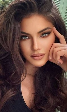 Most Beautiful Eyes, Stunning Eyes, Gorgeous Women, Lovely Eyes, Beautiful Person, Brunette Beauty, Hair Beauty, Actrices Hollywood, Makeup For Green Eyes