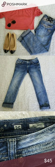 """Miss Me cuffed capris jeans with bling flap pocket Excellent condition Miss Me jeans! All buttons rivets sequins and rhinestones in tact no flaws. Super cute capris perfect for spring. 27"""" inseam 25"""" with cuffs Miss Me Pants Capris"""