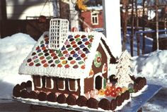this provided the inspiration for our roof design. we just LOVE our gingerwood house (made of wood, and varnished so we can re-use it again and again)