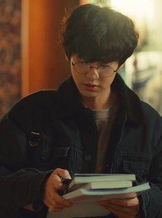 from the story 《Un clair de lune》 ChanBaek by (☁️ Galaxy 🌸) with reads. Exo Chanyeol, Kpop Exo, Kyungsoo, Exo Chanbaek, Kim Minseok, Chansoo, Z Cam, Exo Members, Boyfriend Material