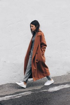Elif Filyos - Stylenanda Camel Maxi Coat, Asos Grey Track Pants, Adidas Stan Smith - Comfort Zone
