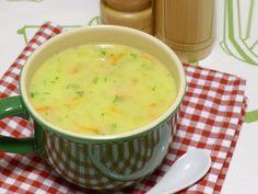 Kabaklı Havuçlu Sebze Çorbası Çorbayı seven fakat sebze yeme alışkanlığı olmayan çocuklarınız için sebze yemeyi sevdirecek bir çorba tarifini sizlere sunuyoruz. Kabaklı Havuçlu Sebze Çorbası İçin Malzemeler: 2 adet orta boy kabak 2 adet orta boy havuç 2 yemek kaşığı un Bir yemek kaşığı tereyağı 1 su bardağı süt Bir tutam dereotu 1 tatlı kaşığı tuz 3 yemek kaşığı sıvıyağ Su Çorbanın Hazırlanışı Devamı için tıklayınız, http://www.tontisko.com/kabakli-havuclu-sebze-corbasi