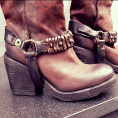 Yes to the #harness . #boots #leather #fashion #loveit #instagood