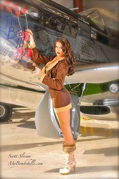 Aviation et Pinup ! Pin Up Girls, Mode Pin Up, Vaquera Sexy, Pin Up Girl Vintage, Vintage Pins, Military Pins, Pin Up Models, Airplane Art, Vintage Ads