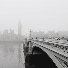 La beauté mystérieuse de Londres dans le brouillard par Radu Negru - http://www.2tout2rien.fr/la-beaute-mysterieuse-de-londres-dans-le-brouillard-par-radu-negru/