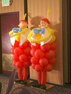 Tweedle Dee and Tweedle Dumb balloon sculpture - Alice in Wonderland party ideas