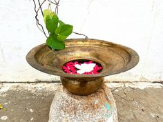 Antique brass Handwash basin improvised vase . . . . Now on Sale Kindly DM for price and details Shipping all over India . . . For similar collectibles visit our fb shop *link in bio . . . #indiantiquest #antiqueshop #collectibles #brass #copper #bronze #vintage #antique #classic #historic #wooddecor #indian #interiordecor #homedecor #antiquedecor #artdeco #curio #cultural #handicrafts #nostalgia #kitchenvessels #traditional #retro #ethnic #nostalgia #kitchenprops #interiordesign #primitive