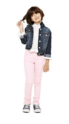 arizona tie-front top with skinny jeans and denim jacket