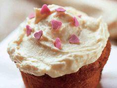 Ystävänpäivän muffinit http://www.yhteishyva.fi/ruoka-ja-reseptit/reseptit/ystavanpaivan-muffinit/011827