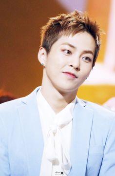 Xiumin - 160121 30th Golden Disk Awards Credit: Class X. (제30회 골든디스크 어워즈)