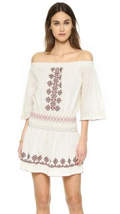 ¡Cómpralo ya!. Tularosa Marietta Dress - Ivory. Crisp embroidery and petite beads lend bohemian charm to this TULAROSA off shoulder dress. Elastic neckline and smocked elastic waistband. 3/4 sleeves. Lined. Fabric: Voile. 100% cotton. Wash cold. Imported, India. Measurements Length: 33.5in / 85cm, from shoulder Measurements from size M. Available sizes: L,M,S,XS , vestidoinformal, casual, informales, informal, day, kleidcasual, vestidoinformal, robeinformelle, vestitoinformale, día…