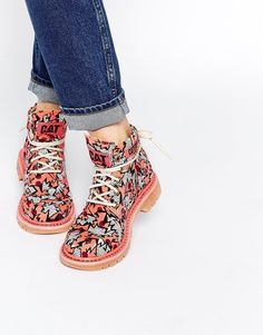 How AMAZING is the abstract print on these Caterpillar boots! : http://asos.do/xVO0yJ