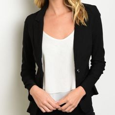 4th SALE! ⛱Perfect Black Blazer ❤️ Beautiful Black Blazer with just the right amount of stretch to fit & flatter! Perfect staple piece! Lightweight material & faux pockets add classy detail without making the blazer bulky. One button closure cinches waist beautifully! S, M available. Large has sold out! Jackets & Coats Blazers