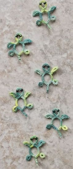 Sea Turtles Found this adorable pattern on Jane's site . They were made with Messy Jessy thread. Looks like they are heading to...